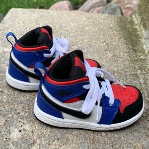 Nike Air Jordan 'AJ 1 Mid' Infant Sneakers